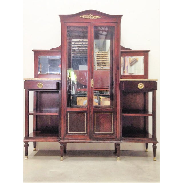 Art Deco Modernist Vitrine with Two Shelves on the Sides For Sale - Image 3 of 9