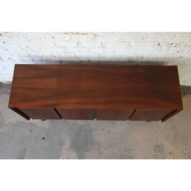 Brown Merton Gershun for Dillingham Mid-Century Modern Walnut Credenza For Sale - Image 8 of 10