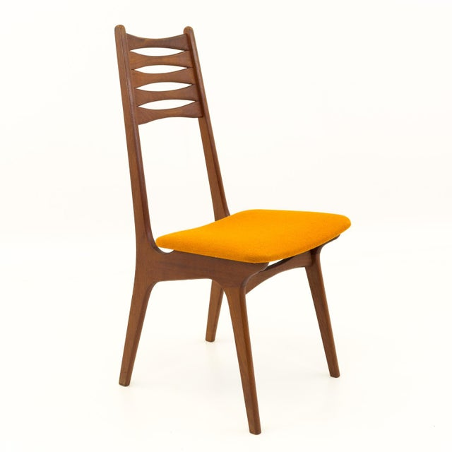 Vintage Mid Century Teak Bow Tie Ladderback Dining Chairs- Set of 6 For Sale - Image 9 of 12