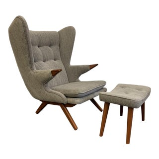 Mid Century Modern Papa Bear Styled Lounge Chair, Heather Gray For Sale