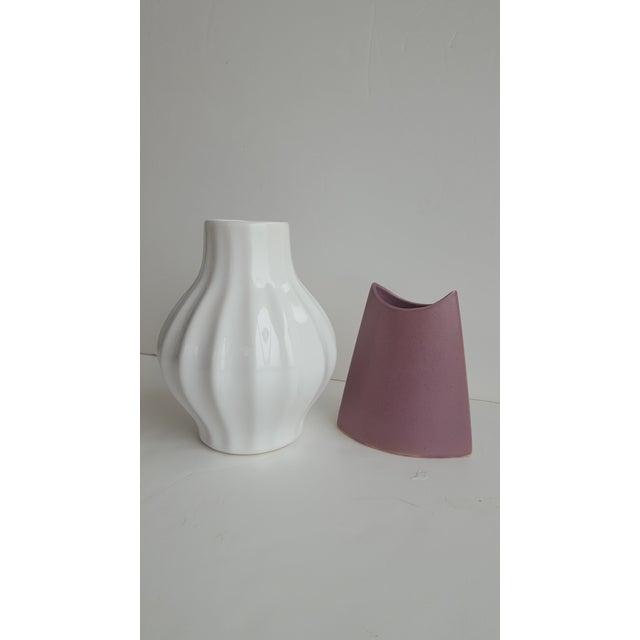 J. Johnston Modernist Mauve Pink Ceramic Pottery Vase For Sale - Image 10 of 11