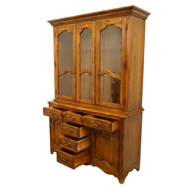 20th Century Traditional Ethan Allen Country French Collection Buffet With Lighted China Cabinet For Sale In Kansas City - Image 6 of 12