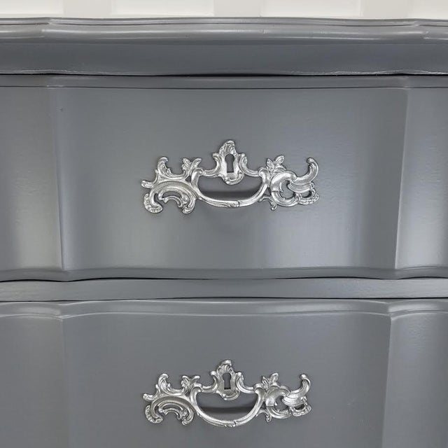 Steel Wool & Platinum French Provincial Dresser - Image 3 of 5