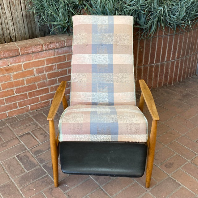 1960s Mid-Century Modern Milo Baughman for James Inc Recliner Lounge Chair For Sale - Image 5 of 12