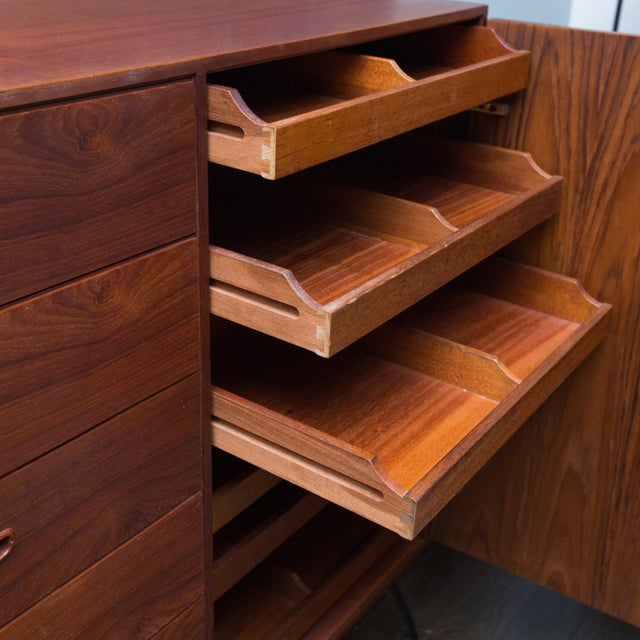 Arne Wahl Iversen for Vinde Mobelfabrik Danish Modern Teak Dresser For Sale - Image 9 of 10