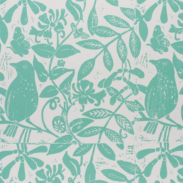 Contemporary Schumacher X Molly Mahon Bird & Bee Wallpaper in Seaglass For Sale - Image 3 of 5