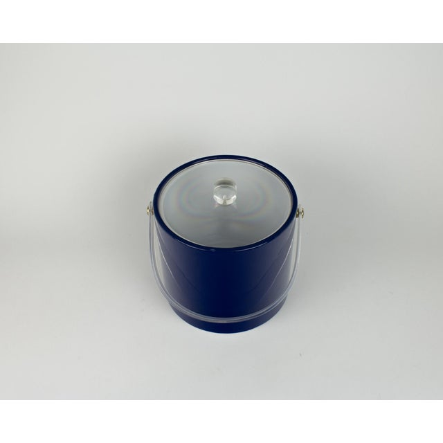 Mid Century Navy Blue and Lucite Ice Bucket - Image 8 of 10