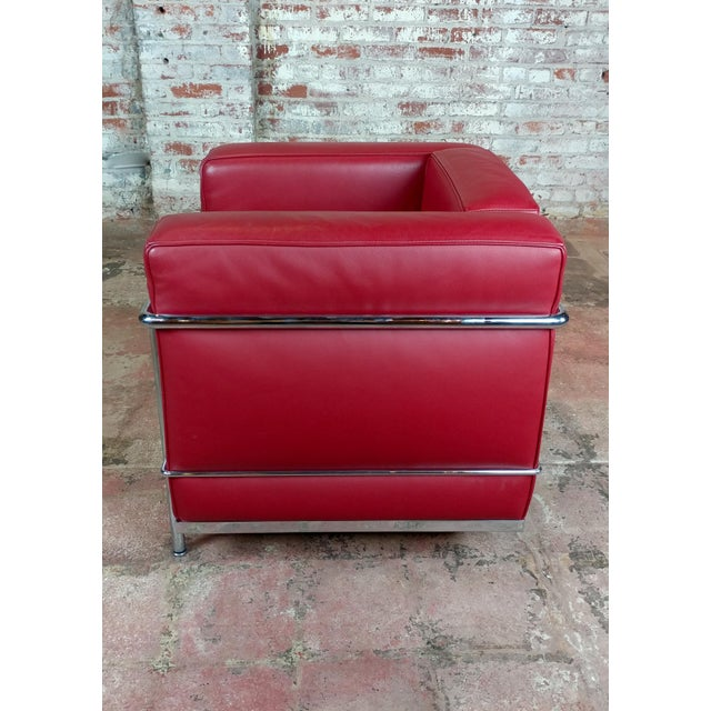 Animal Skin Le Corbusier Lc2 Red Leather Poltrona Armchairs by Cassina - A Pair For Sale - Image 7 of 13
