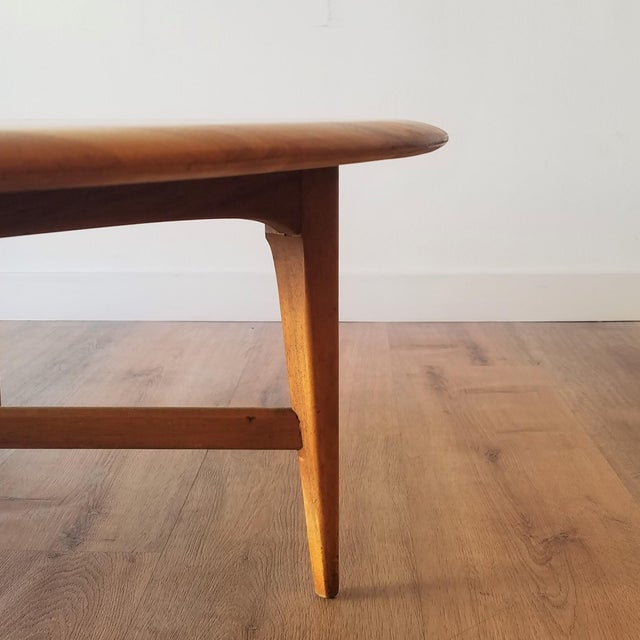 Mid-Century Modern Round Maple Coffee Table For Sale In Seattle - Image 6 of 11