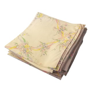 1970s Vintage Set of Tablecloth and 24 Pink,Green and Lavender Cloth Dinner Napkins For Sale