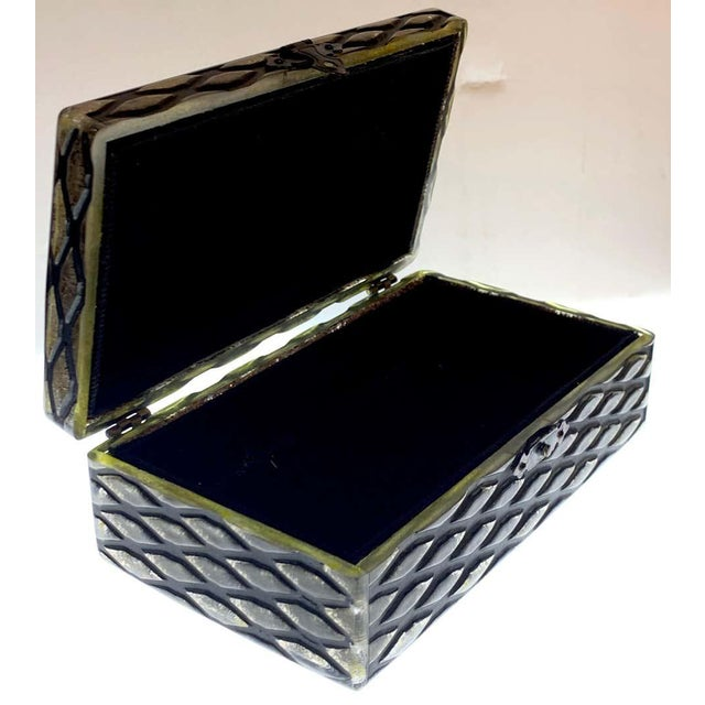 Early 20th Century French Art Deco Herringbone Celluloid Box For Sale - Image 5 of 13