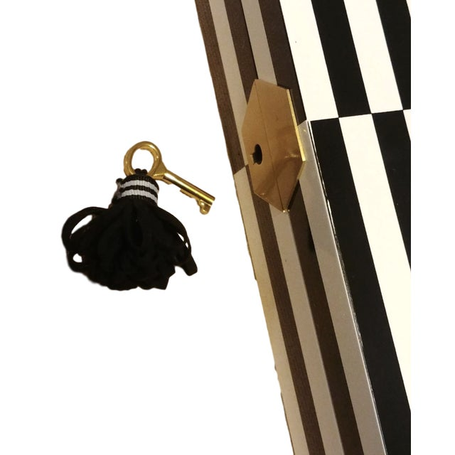 2010s Final Markdown Jonathan Adler Op Art Lacquer Jewelry Box For Sale - Image 5 of 6