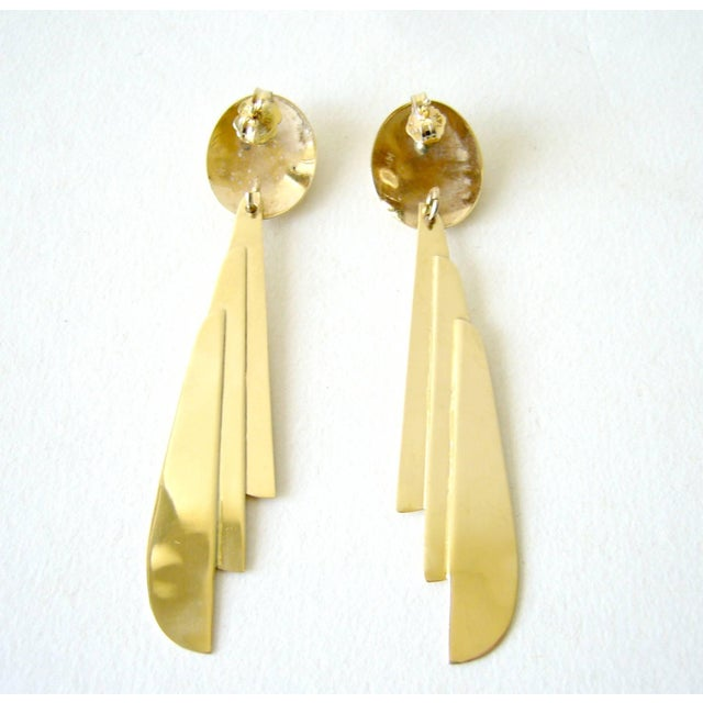 Art Deco 1970s Gold Feather Dangling Earrings For Sale - Image 3 of 4