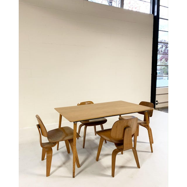 Herman Miller 1950s Charles and Ray Eames for Herman Miller Dtw-3 Table & Dcw Dining Chairs - Set of 4 For Sale - Image 4 of 9