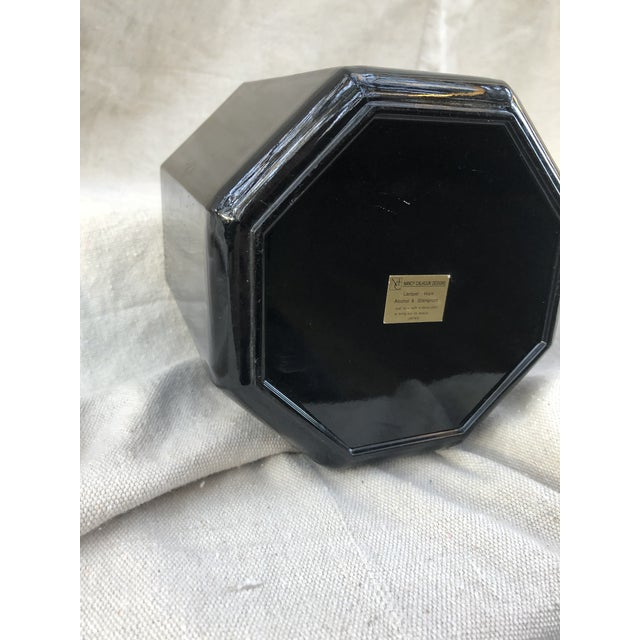 Mid 20th Century Black Lacquer Octagonal Ice Bucket For Sale In Orlando - Image 6 of 8