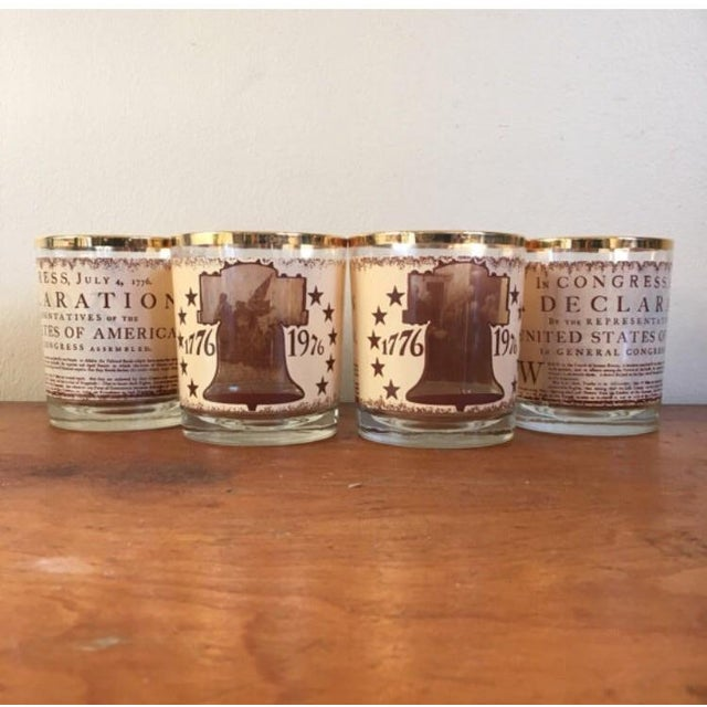 Set of 4 vintage glasses released in 1976 during the bicentennial. Glasses have several different images: Liberty Bell,...