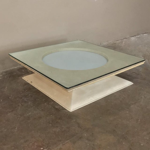 Late 20th Century Mid-Century Modern Illuminated Coffee Table From m.i.m. Roma Circa 1970s For Sale - Image 5 of 10