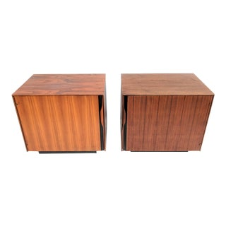 1960s John Kapel for Glenn of California Walnut Nightstands - a Pair For Sale
