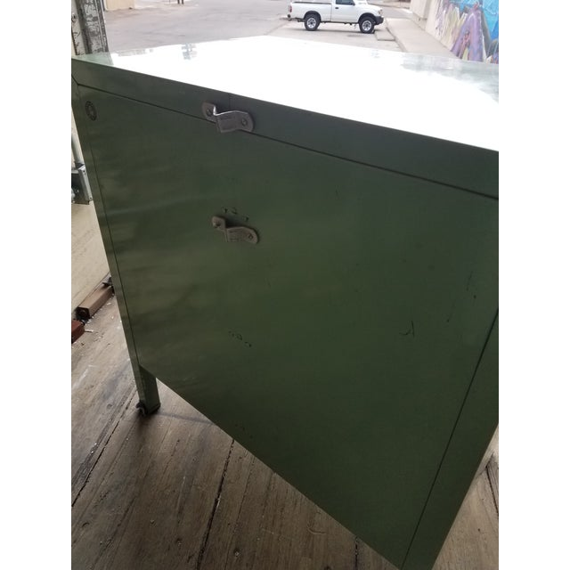 Metal 1930s Vintage Simmons Company Furniture 3-Drawer Steel Chest of Drawers For Sale - Image 7 of 8