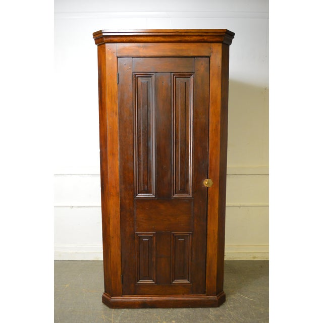 Antique 19th Century Primitive Country Corner Chimney Cupboard For Sale -  Image 4 of 11 - Antique 19th Century Primitive Country Corner Chimney Cupboard