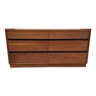 1960s Merton Gershun for Dillingham Espirit Walnut 6 Drawer Dresser For Sale
