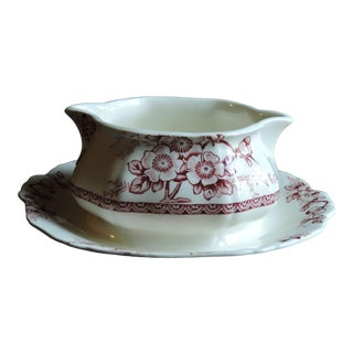 Vintage Alfred Meakin Medway Décor Red & White Gravy Boat with Attached Underplate For Sale