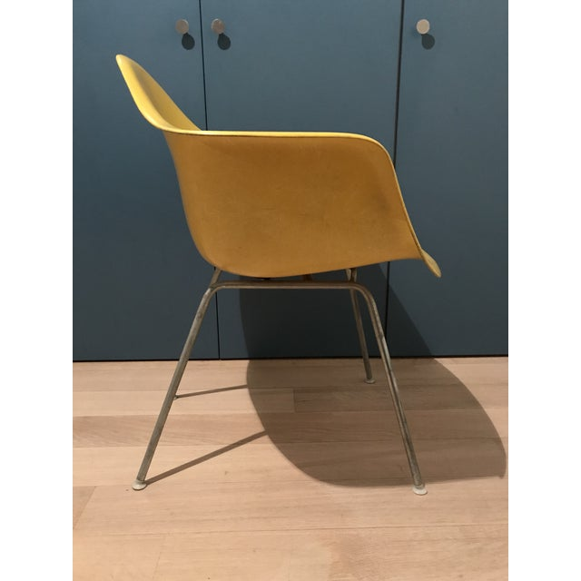 Herman Miller 1970s Mid-Century Modern Herman Miller Yellow Fiberglass Eames Shell Side Chair For Sale - Image 4 of 7