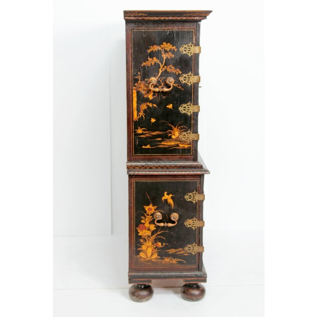 Queen Anne Collectors Cabinet / Japanned For Sale - Image 10 of 13