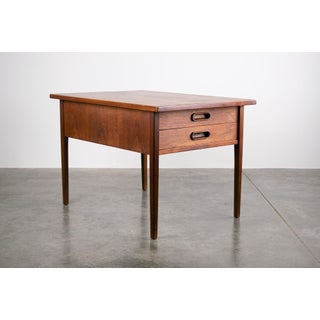 Jack Cartwright for Founders Mid-Century Walnut Side Tables / Pair Preview