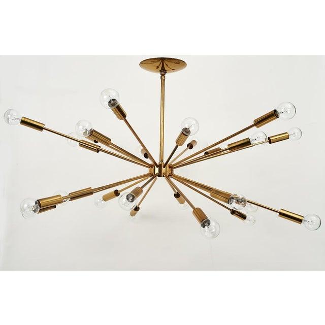 Lightolier Gino Sarfatti 24 Light Brass 'Sputnik' Chandelier model 4081, ca. 1950 For Sale - Image 4 of 9
