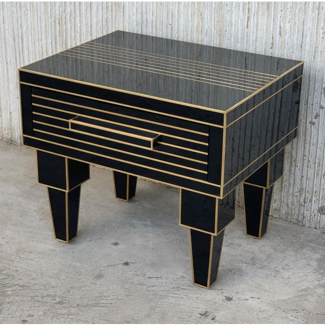 Art Deco New Pair of Mirrored Low Nightstand in Black Mirror and Chrome With Drawer For Sale - Image 3 of 10
