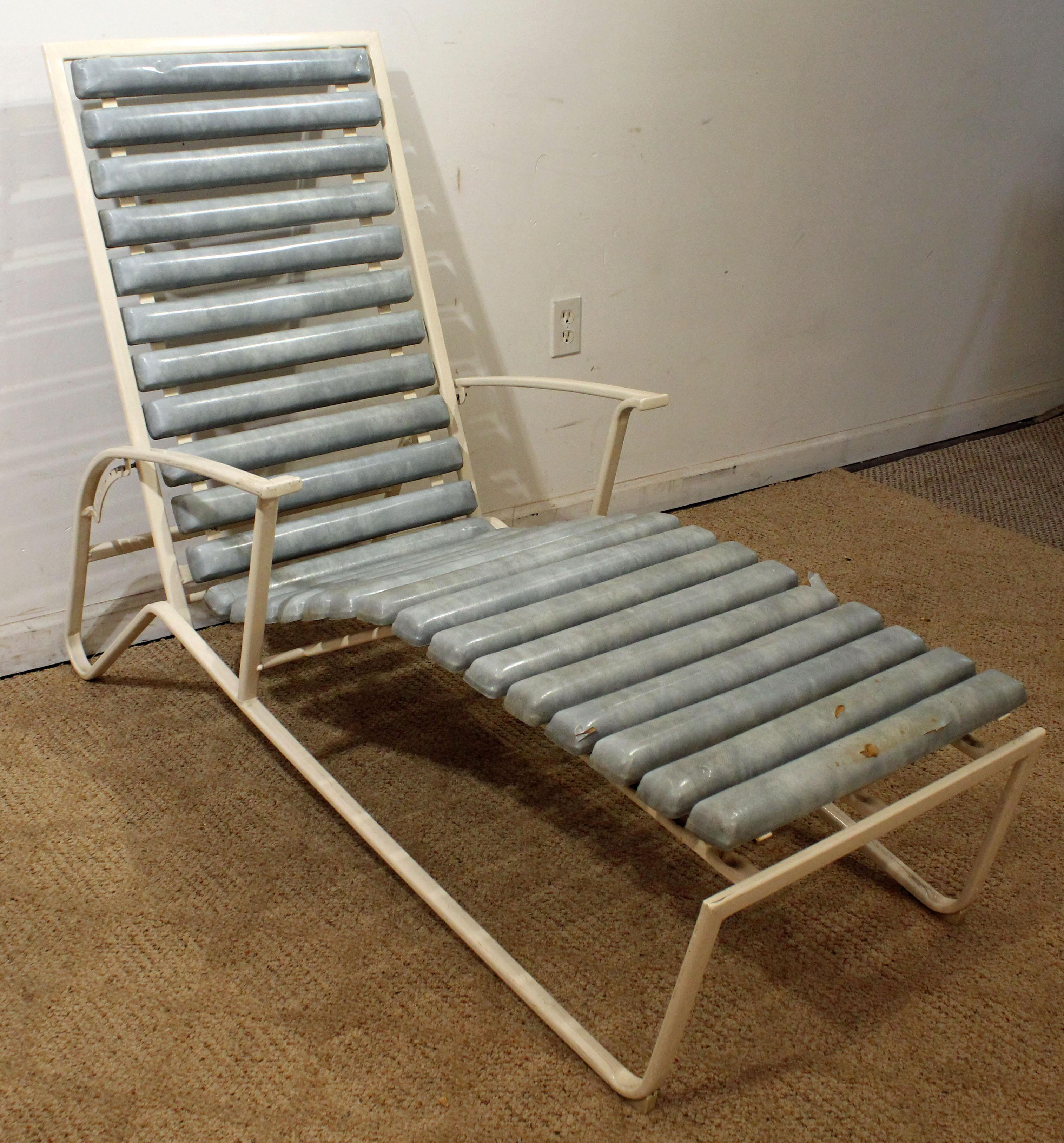 Mid Century Danish Modern Samsonite Outdoor Patio Metal Lounge Chair    Image 2 Of 13