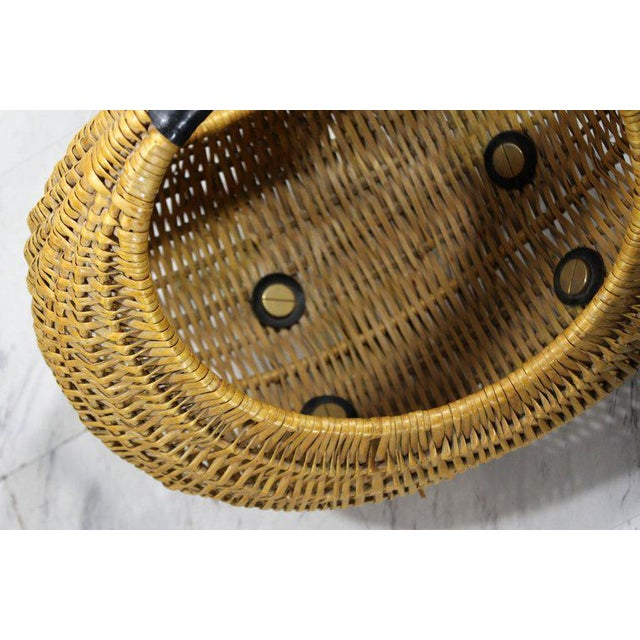 1970s Mid-Century Modern Franco Albini Italian Rattan Wicker Leather Magazine Basket For Sale - Image 5 of 8