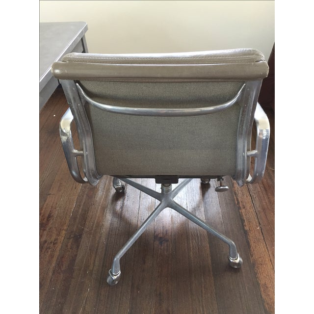 Herman Miller Soft Pad Management Chair - Image 5 of 10