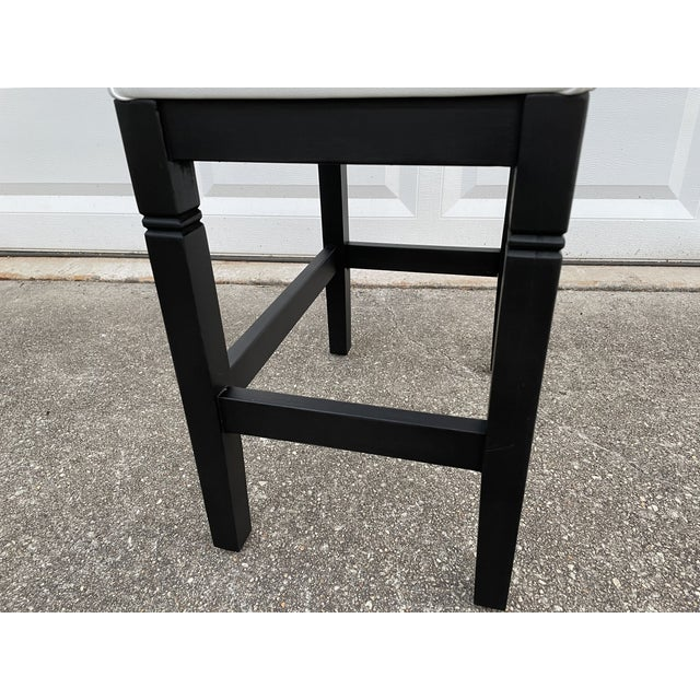 White 1980s Vinyl Leather Wrapped Top Side Table For Sale - Image 8 of 10