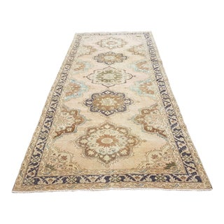 1950s Turkish Geometric Anatolian Oushak Runner-4′8″ × 8′7″ For Sale