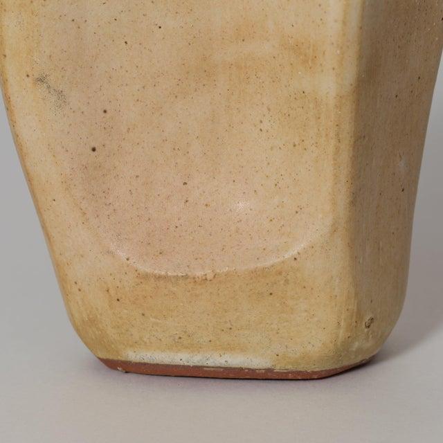 Corte Ceramic Vase by Gabriela Valenzuela-Hirsch For Sale In New York - Image 6 of 10