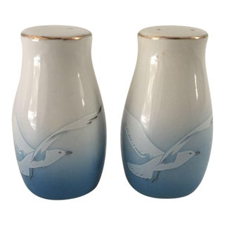 Vintage Blue & White Flying Seagulls Salt & Pepper Shakers - A Pair For Sale