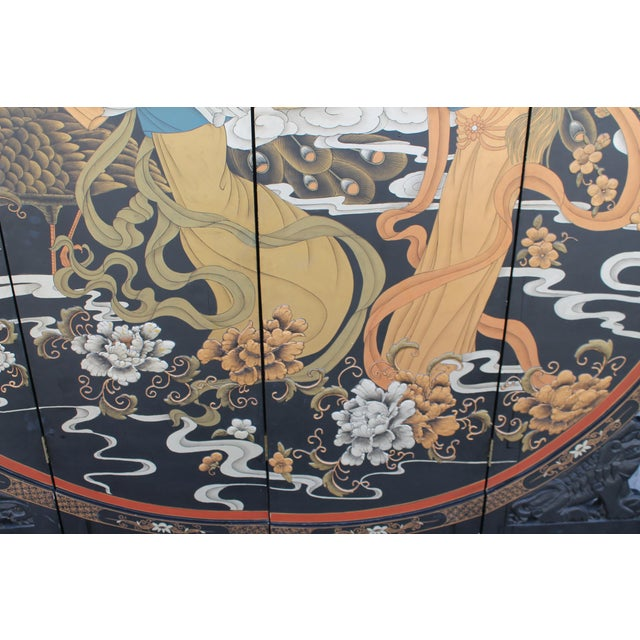 Art Deco Oriental Round Carved Base/ Detailed Room Dividing Screen For Sale In Miami - Image 6 of 13