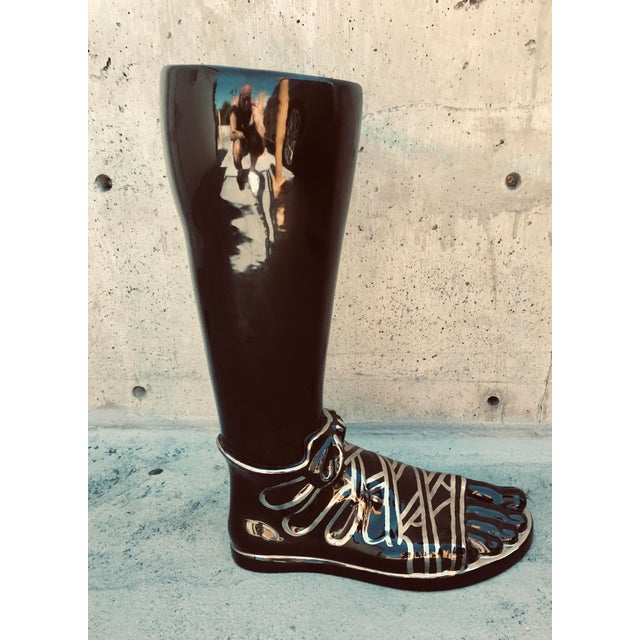 1970s Mid-Century Modern Iconic Fornasetti Glazed Ceramic Umbrella Stand in the Form of a Roman Foot For Sale In Los Angeles - Image 6 of 10