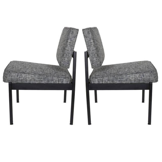 White Pair of Mid-Century Modern Easy Chairs in the Style of Florence Knoll For Sale - Image 8 of 8