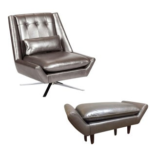 Elite Leather Mid-Century Modern Chair and Ottoman Set For Sale