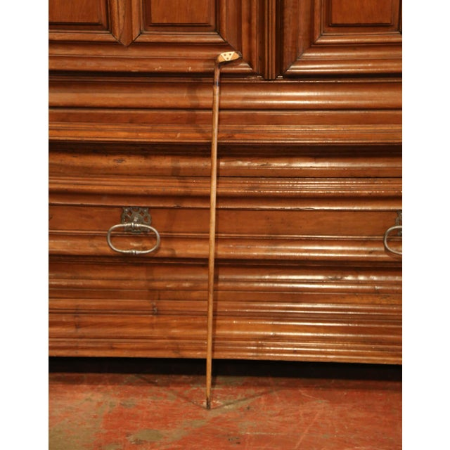 "English Traditional Early 20th Century English Wooden Golf Club Walking Stick or ""Sunday Cane"" For Sale - Image 3 of 10"