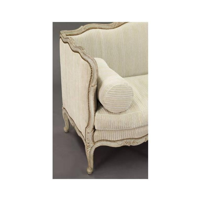 19th Century French Louis XV Carved Canape With Painted Finish and Beige Fabric - Image 6 of 9