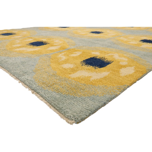 80567 Contemporary Moroccan Rug with Concentric Circles and Abstract Orphism Style 10'02 x 13'09. Drawing inspiration from...
