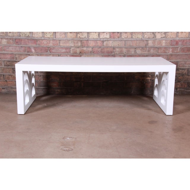 Robsjohn-Gibbings for Widdicomb Hollywood Regency White Lacquered Palm Leaf Coffee Table, Newly Restored For Sale In South Bend - Image 6 of 10