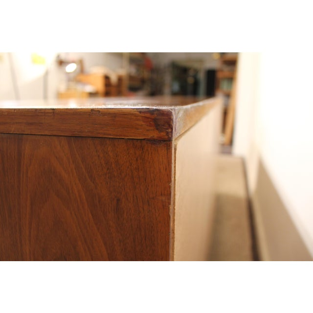 Brown Mid-Century Danish Modern Young Mfg. Walnut/Burl Sliding Door Credenza For Sale - Image 8 of 11