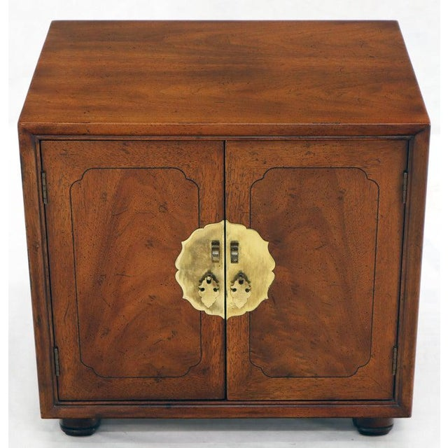 Pair of Mid-Century Modern Two Doors Nightstands by Henredon For Sale - Image 9 of 12