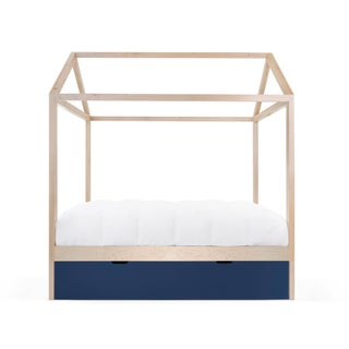 Domo Zen Full Trundle Canopy Bed in Maple With Deep Blue Finish Preview