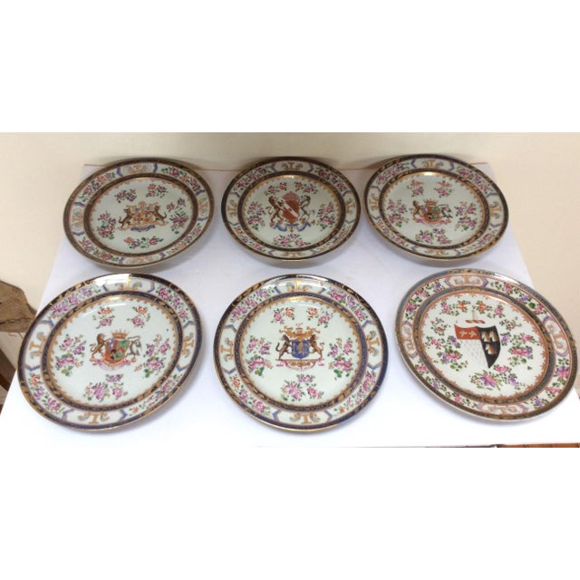 Six antique French Samson plates decorated with armorial crest in the style of traditional Chinese Export plates of the...